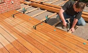 Terrasse Holz Bauen : anleitung holz terrasse selbst bauen b ~ Frokenaadalensverden.com Haus und Dekorationen