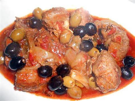 cuisiner une cuisse de sanglier recette de fricassee de sanglier tomates et olives