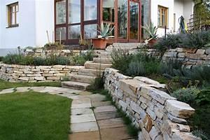 Terrasse Höher Als Garten : natursteinmauer iii gartengestaltung hertl ~ Orissabook.com Haus und Dekorationen