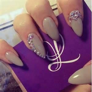 Stilettos nails almond art nailart design rings