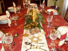 festlich gedeckter tisch weihnachten der festlich gedeckte tisch an weihnachten 3 deko vorschl 228 ge