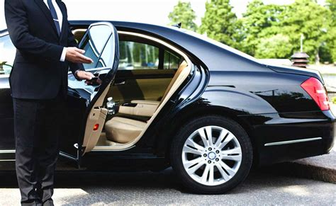 Limo Chauffeur Service by Jamaica Chauffeur Service