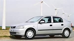 Opel Astra 1999 : uk 1999 ford focus takes the lead vauxhall astra on podium best selling cars matt 39 s blog ~ Medecine-chirurgie-esthetiques.com Avis de Voitures