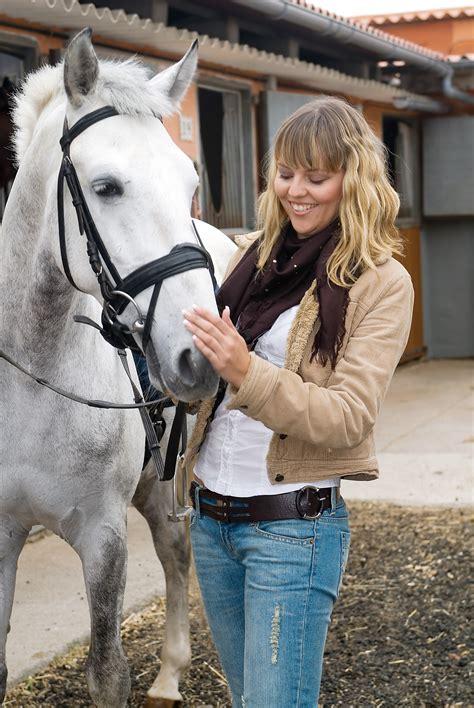 behavior   advantage  training  horse