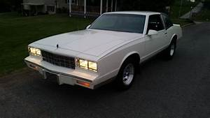 86 Monte Carlo V6 5 Speed Standard Transmission  Excellent Condition For Sale In Fairmont  West