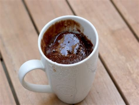 cuisine au mug recette mug cake au chocolat simplissime cuisinez mug