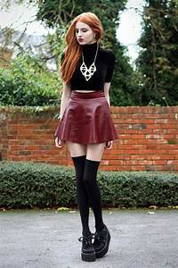 90s grunge fashion with the slightest dash of school girl ...
