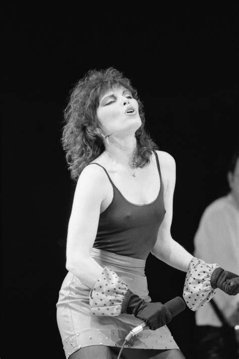 Pat Benatar rocking out - 1980 : OldSchoolCool