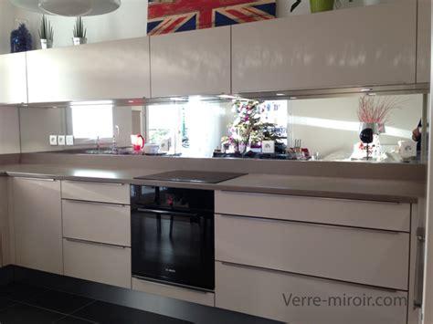 photo de credence pour cuisine miroir credence table de cuisine