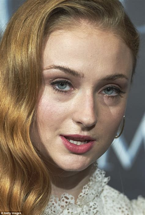 Game Of Thrones Sophie Turner Looks A World Away From