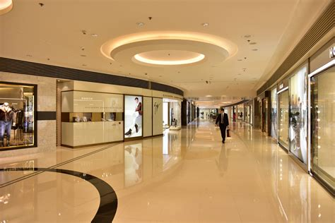 What This Luxury Goods Transect Says About HK's Retail ...