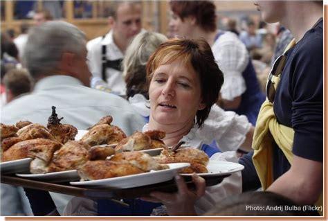 spécialité allemande cuisine oktoberfest que boire et manger pendant la fête de la