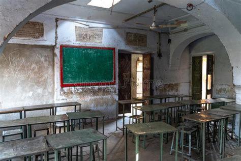 testo vecchia scuola aula della vecchia scuola fotografia stock immagine di