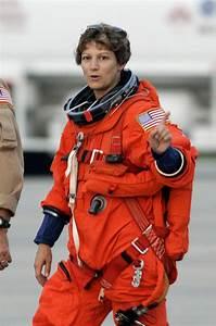 Eileen Collins, Space Shuttle commander | POPSUGAR Smart ...