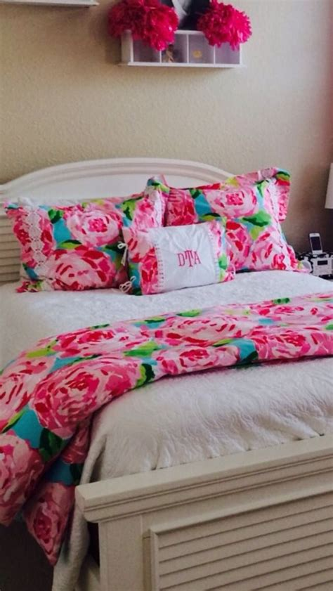 lilly pulitzer bed spread found on thegirlwiththepoppedcollar