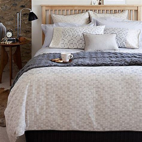 Neutral Bed Covers by 17 Best Images About Bed Linen On Single Duvet