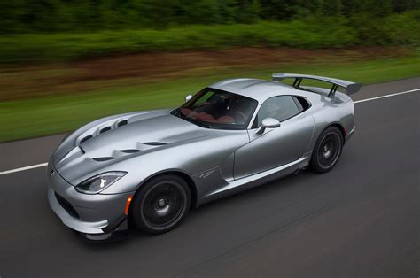 Dodge Car : 2017 Dodge Viper Reviews And Rating