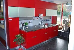 Rote Arbeitsplatte Küche : schmidt k chen musterk che moderne rote k che mit ~ Sanjose-hotels-ca.com Haus und Dekorationen
