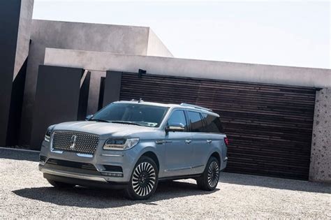 lincoln navigator hybrid concept ready  debut