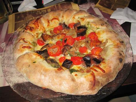 pizza la terrazza bab 224 napoletano gigante alla crema picture of pizzeria