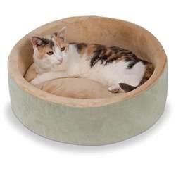 cat bed the warming cat bed hammacher schlemmer