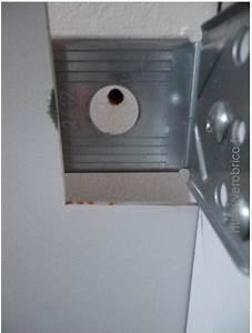 fixer des meubles de cuisine non attenants aux murs le With fixer un meuble de cuisine au mur