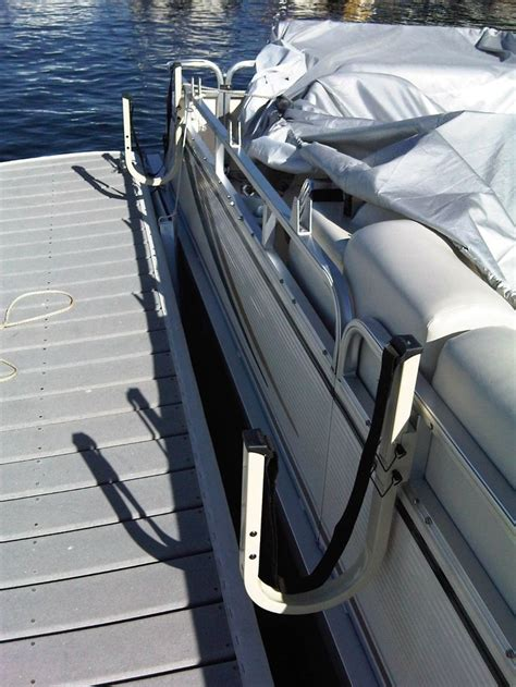 Pontoon Boat Accessories by The 25 Best Pontoon Boat Accessories Ideas On