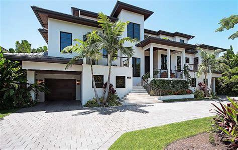 florida home     floor master suite