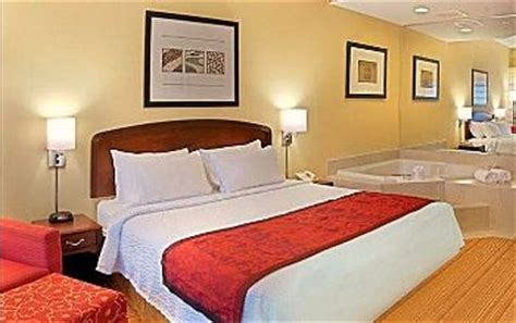hotels with tubs in ct connecticut suites excellent vacations