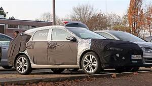 Hyundai I30 Cw : 2017 hyundai i30 cw spied and rendered ~ Medecine-chirurgie-esthetiques.com Avis de Voitures