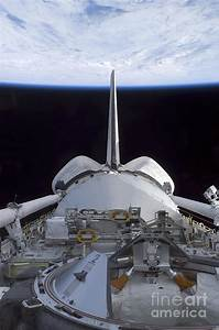 Space Shuttle Discoverys Cargo Bay Photograph by Stocktrek ...