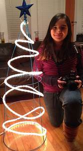 Diy Outdoor Christmas Tree  Made With Tomato Cage  Wire