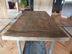 Table En Bois Massif Ancienne : table bois massif ancienne b ti m tallique bca mat riaux anciens ~ Teatrodelosmanantiales.com Idées de Décoration