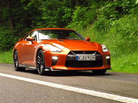 Nissan Economy Car by Nissan Gt R Review Fuel Economy Fibs Chevy Cruze Diesel