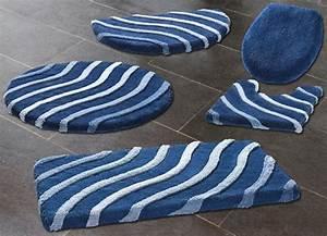 Badematten Kleine Wolke : kleine wolke badteppiche mit wellen motiv verschiedene farben badgarnituren bader ~ Frokenaadalensverden.com Haus und Dekorationen