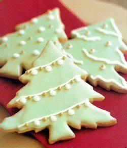 10 Ways to Decorate Christmas Tree Cookies