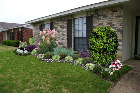 ranch home front garden ideas  garden inspirations