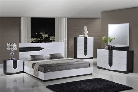 Global Furniture Hudson 4-piece Platform Bedroom Set In