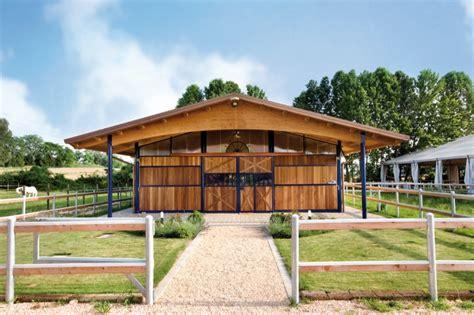 Barns & Écuries à L'américaine Equestria