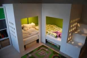le für kinderzimmer lits superposés mydal avec aire de jeux bidouilles ikea