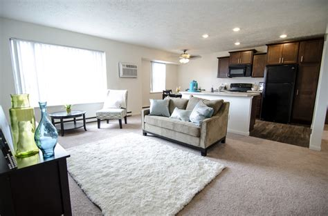 Delta Square Apartments East Lansing by Woodbrook Apartments For Rent In East Lansing Mi