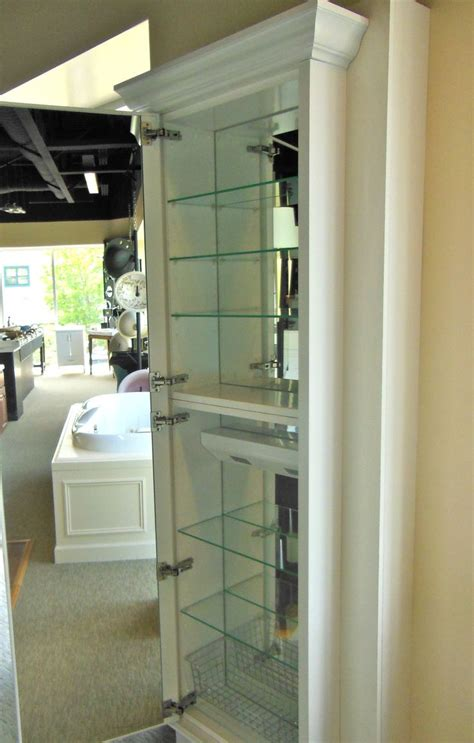 Large Mirrored Bathroom Cabinet by Best 25 Large Medicine Cabinet Ideas On Small