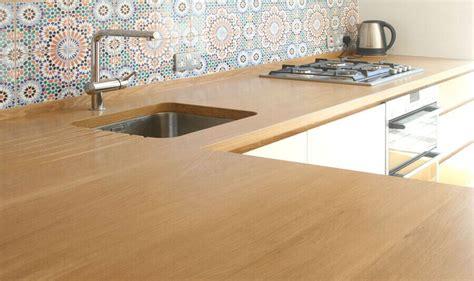 table cuisine ceramique plan de travail en bois exemples de réalisations en photo