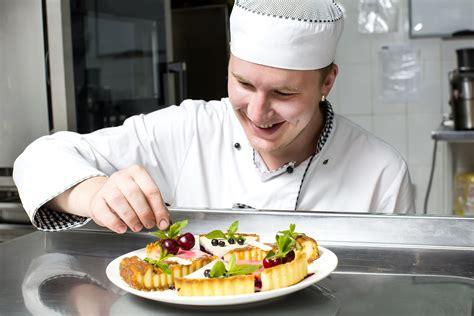sous chef de cuisine definition sous chef définition exemple et image