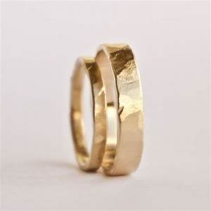 Wedding ring set two hammered gold rings rustic for 18 carat gold mens wedding ring