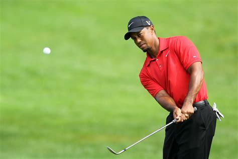 Tiger Woods Posts Shirtless Christmas Photo - Information ...