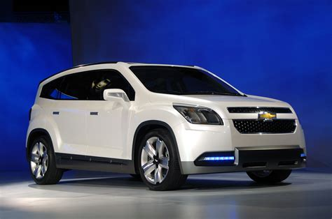 Chevrolet Orlando Picture by Chevrolet Orlando Pictures Information And Specs Auto