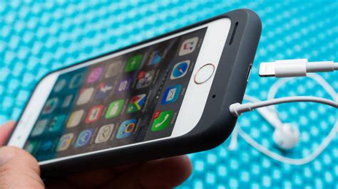 apple smart battery case  iphone  review cnet