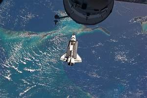 APOD: 2011 July 13 - Atlantis Last Approach