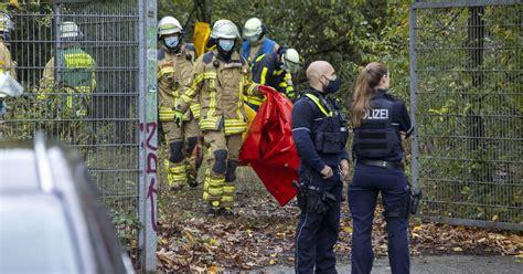 Mami ist ne alte drecksau 6 months ago 1:41:45 txxx outdoor, vintage, mature anal, german, handjob; Duisburg: 14-jähriges Mädchen tot in Ruine gefunden ...